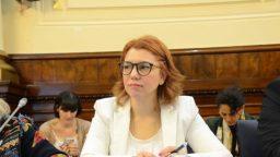"""Karina Banfi: """"El principal difundidor de las noticias falsas es el Estado"""""""