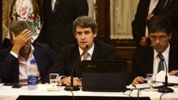Después de la media sanción en diputados, Prat Gay defendió el acuerdo con los buitres en el Senado