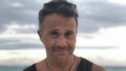 """Sergio Lapegue: """"Estoy aprendiendo a hacer de camarografo y de tecnico, hasta me maquillo"""""""