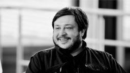"""Hernán Casciari: """"Me parece que nos resulta muy cómodo dejar de pensar"""""""